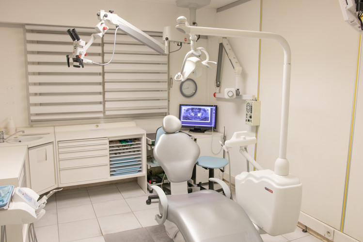 salle-de-soin-dentaire-jardin-gorbella-nice