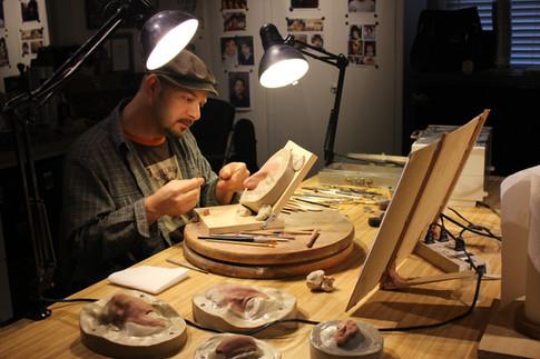 Kelman sculpts test makeup in pre-production for WONDER (2015)