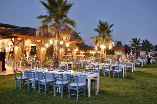 Regnum Carya outdoor restaurant.jpg