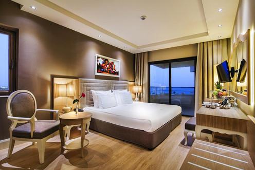 Bellis Deluxe hotel room.jpg
