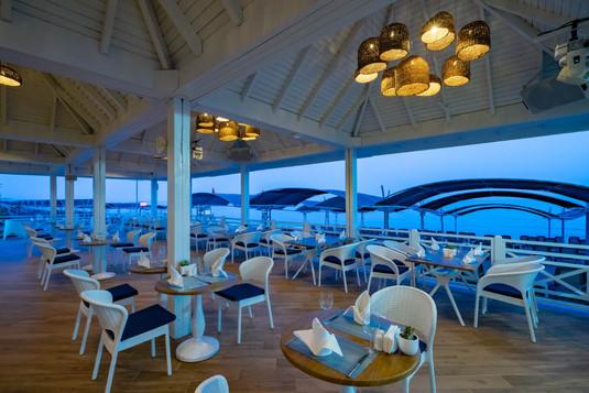 Hotel Papillon Belvil beach restaurant.j