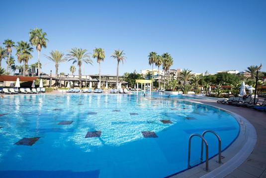 Limak Arcadia outdoor pool.jpg