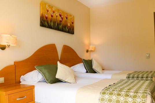 Limak Arcadia twin room.jpg