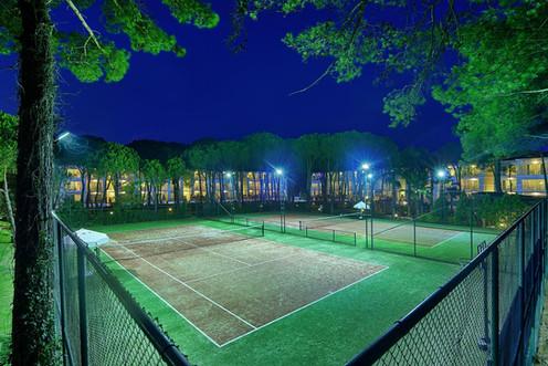 Bellis Deluxe hotel tennis courts.jpg