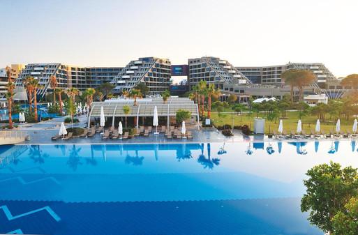 Susesi Luxury resort main pool.jpg