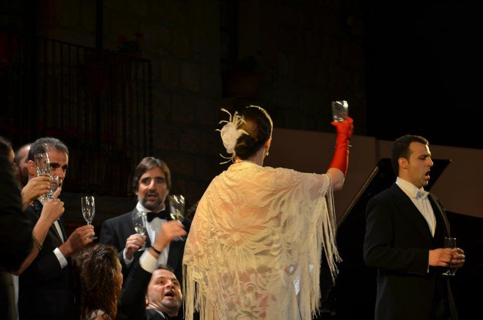 Traviata Sallavinera 05.jpg