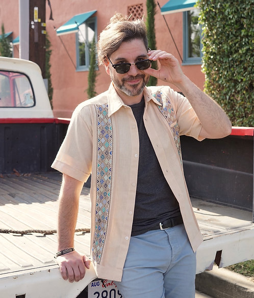 Medium | Men's Guayabera | Short Sleeve Dress Shirt with Double Embroidery