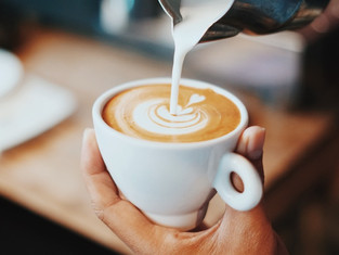 Cafe Latte là gì? Cứ cafe vẽ hoa lá đẹp thì là Latte?
