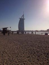 DUBAI-PLAGE-STYLE-DE-VIE-DEVENIR-ENTREPR