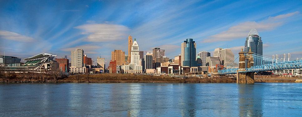 Cincinnati_Skyline-9803©2014_Steve_Zieg