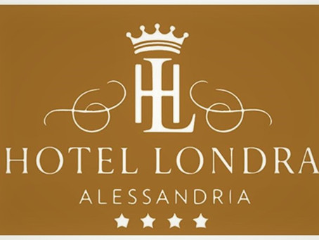 Hotel Londra: stopping point in town.
