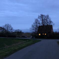 Huset om natten.jpg