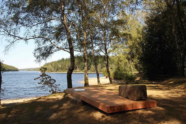 éjo. coopérative Voir l'eau du Lac Vassivière Utopia 2018 table Beaumont du Lac