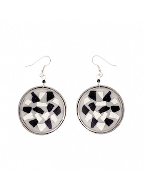 Round Eggshell Earrings - Black&White