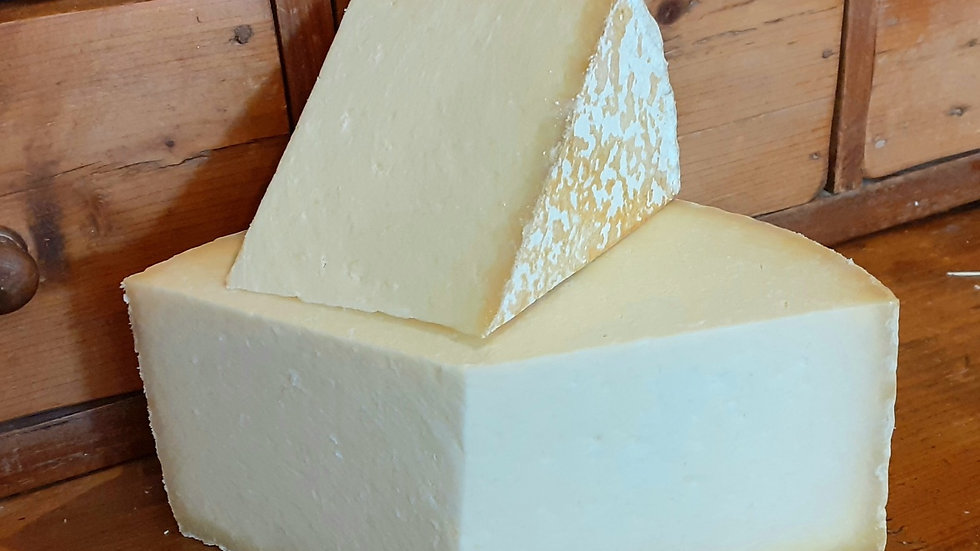 Cheshire Cheese Traditional Cheese Crumbly Cheese Cut Cheese Raw Milk Unpasteurised