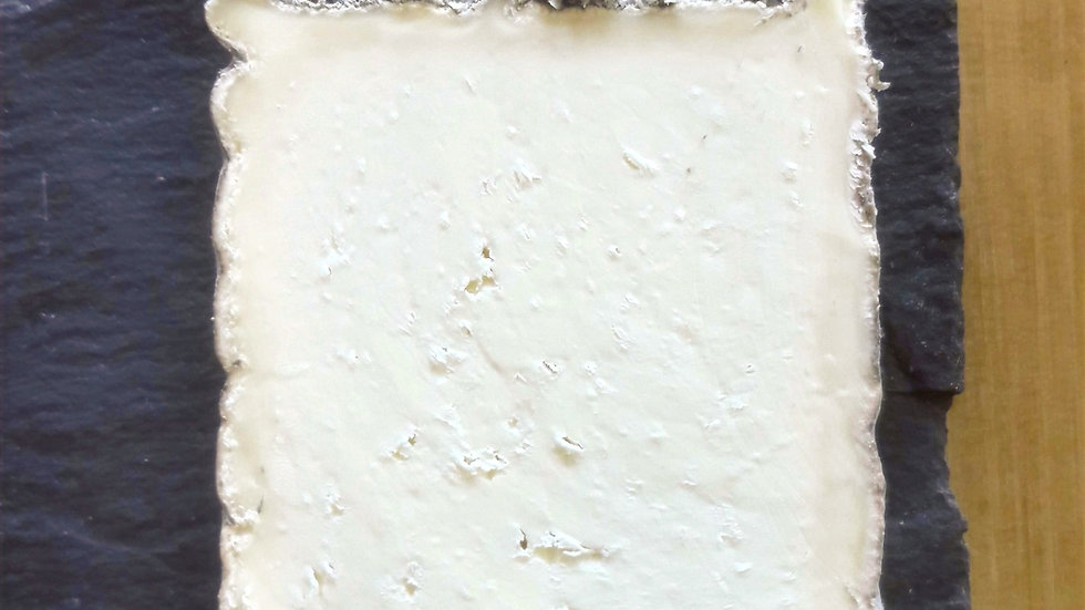 Gorwydd Caerphilly Traditional Welsh Cheese Crumbly Cheese English British Cheese Grey Rind Cellar Mature Cut Cheese Raw Milk