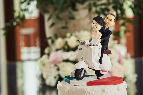 The caketopper was having just as much fun as the rest of us!