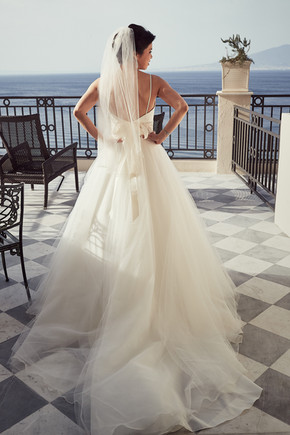 Bridal beauty. Kitty on the terrace for the Western wedding ceremony. Bellvue Syrene Hotel.