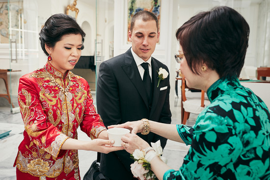 Traditional Chinese wedding tea ceremony. Bellevue Syrene Hotel.