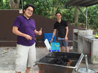 Traders get together during Mid Autumn Festival [BBQ -- adding more to the current hazy environment]
