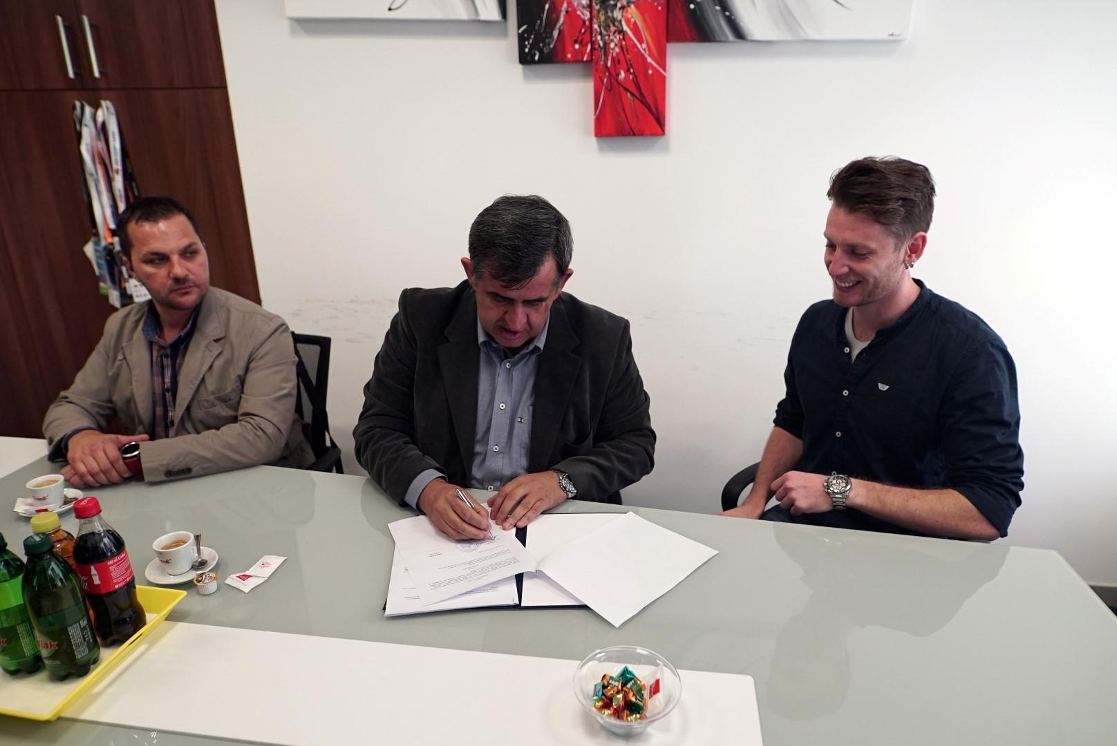 Potpisivanje 1