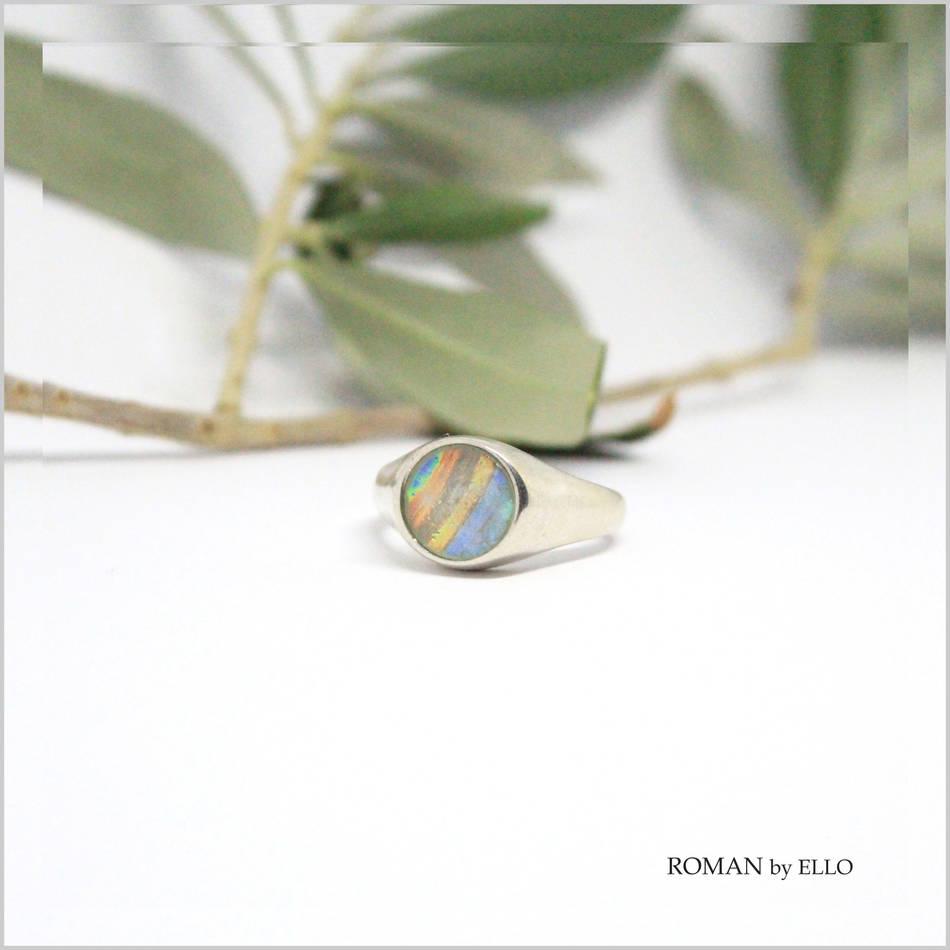 AURORA RUND SIGNETRING MED ROMERSK GLAS