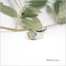 AURORA ROUND SIGNET RING WITH ROMAN GLASS