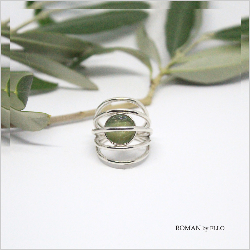 ORBIT LARGE RING WITH ROMAN GLASS