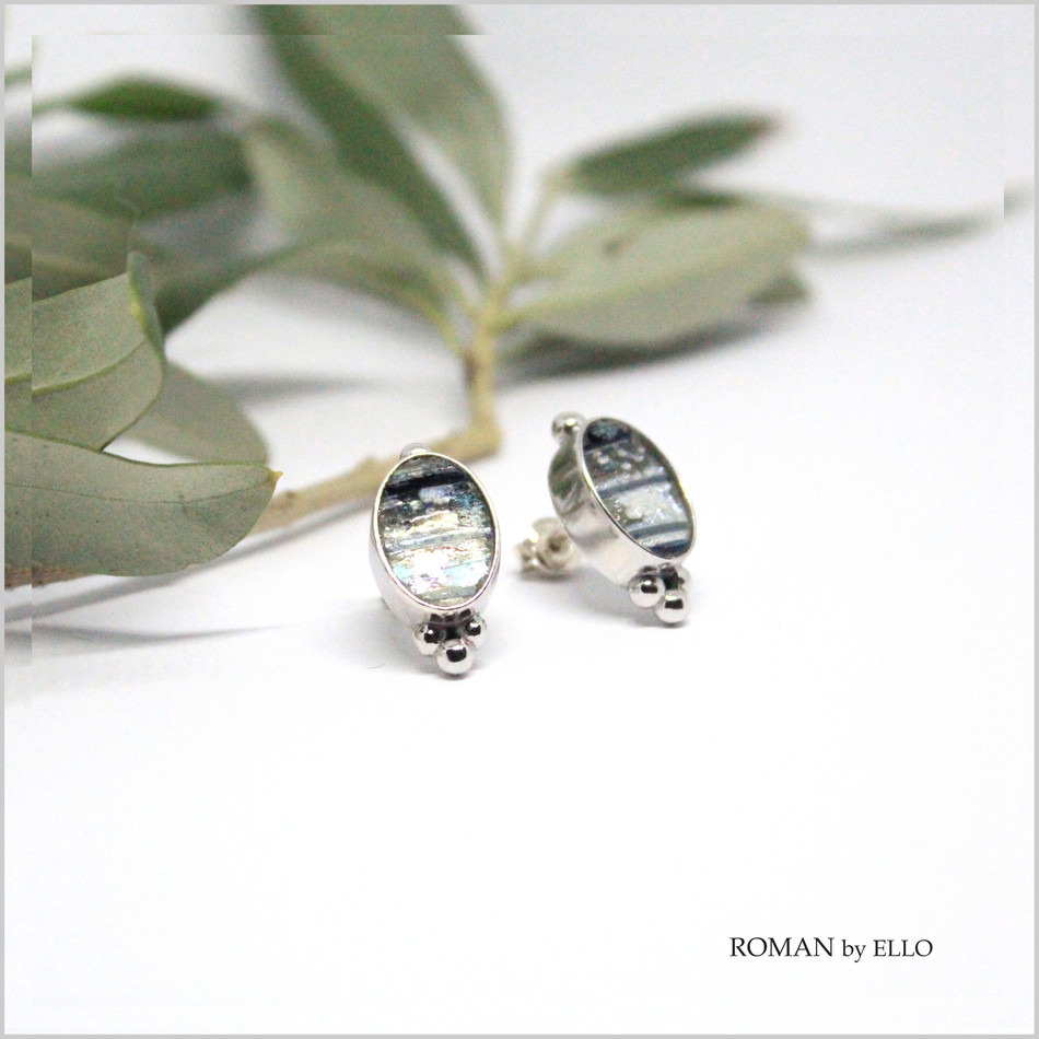 OLIVE STUDS WITH ROMAN GLASS