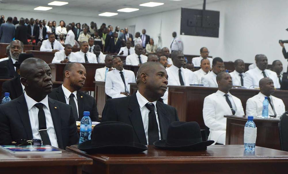 Des sénateurs et députés en séance au parlement Haïtien. Crédit photo: Challenges