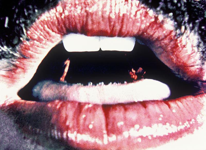 Eat me_Lygia Pape_1975.jpg
