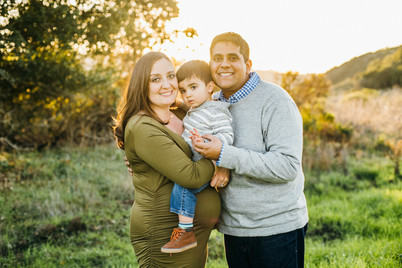 golden hour maternity pictures