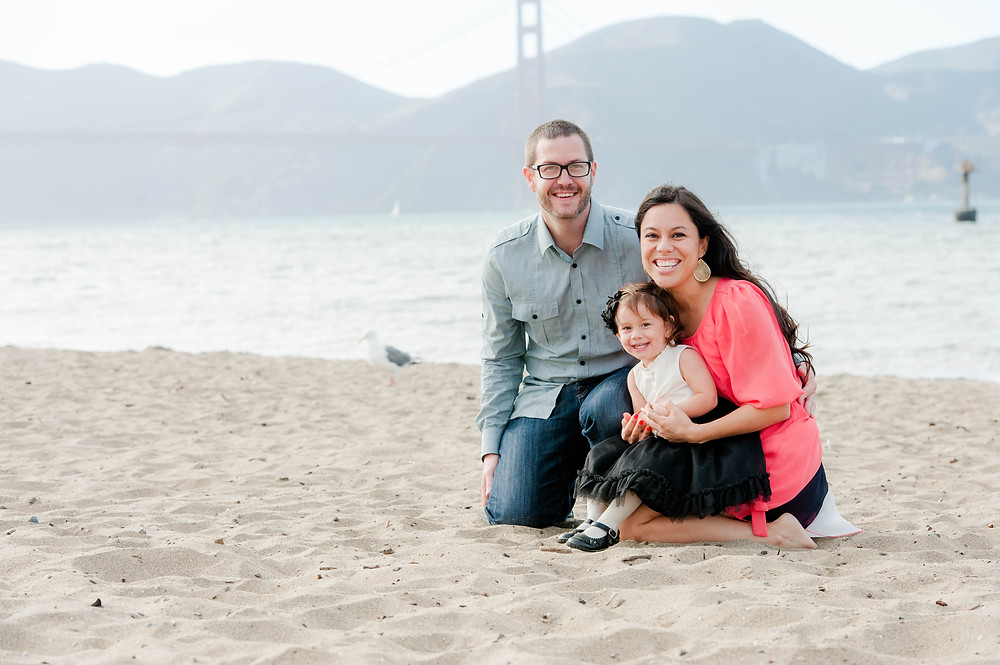 Family photos at Crissy Field in front of Golden Gate Bridge