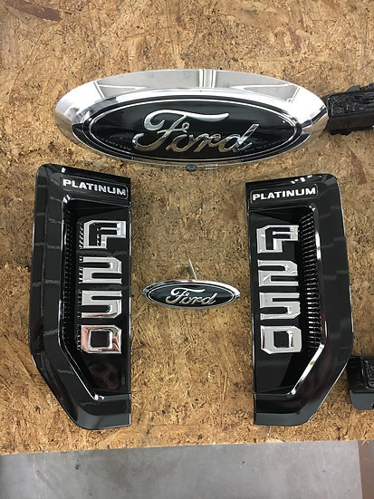 2017-2019 Super Duty Badge Package