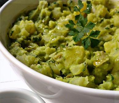 Salada de batata com maionese de abacate
