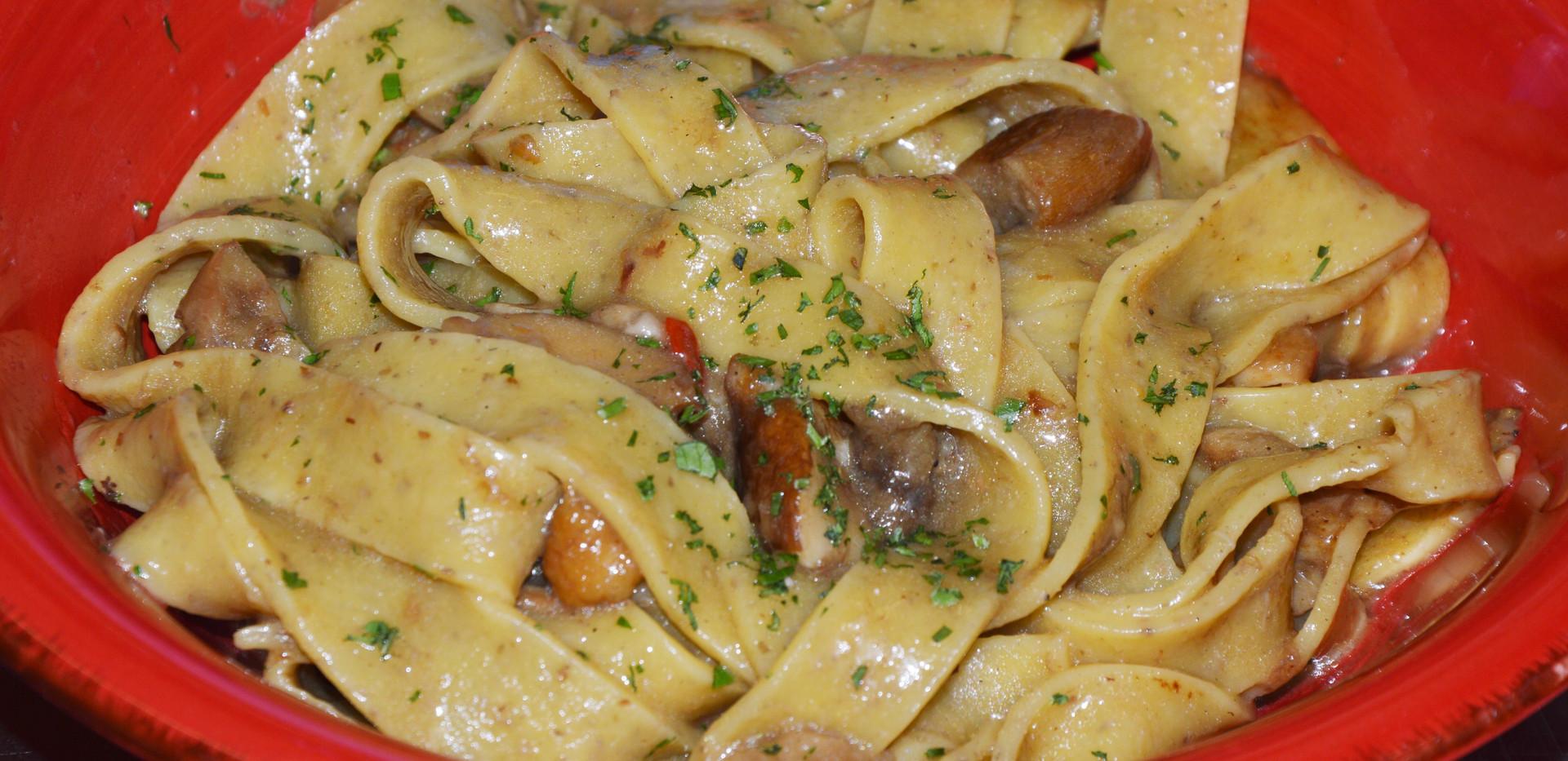 fettuccina casareccia ai funghi porcini #osteriadarbruttone