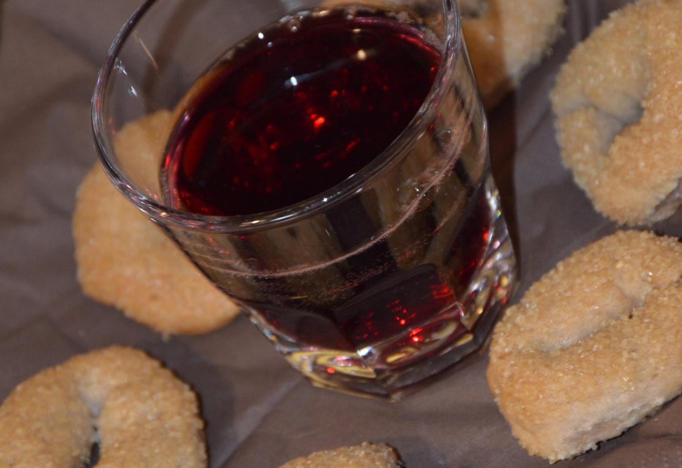 ciambelline al vino con Romanella di Olevano #osteriadarbruttone
