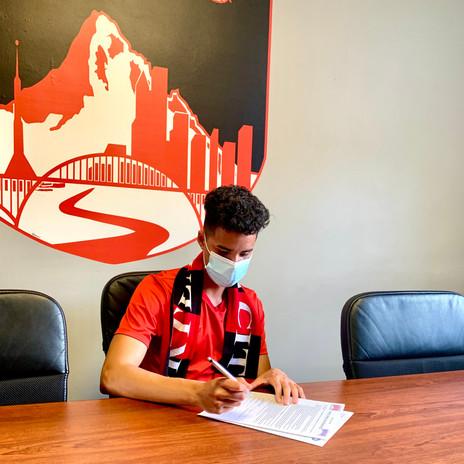 Isaiah Valdovinos-Espinoza Signs to EOU