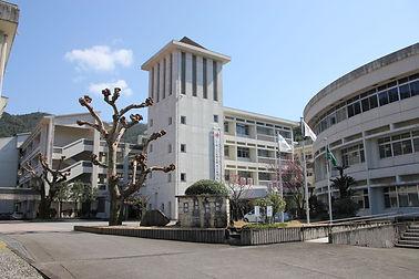 大島高校校舎写真.jpg