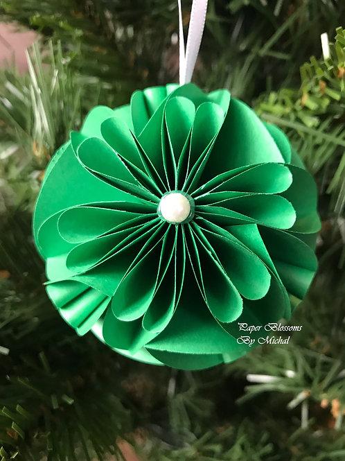 Green Ornament: White Ribbon