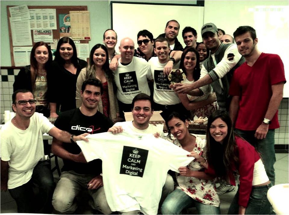 Curso de Marketing Digital: com camisa feita pelo nosso aluno Michel