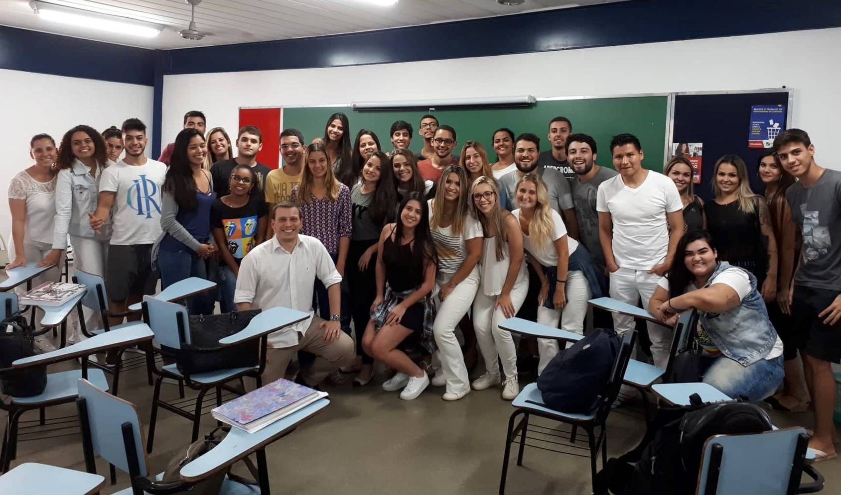 Foto oficial da turma de Marketing em Odontologia