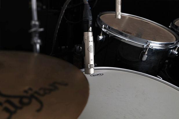 Sontronics DM-1S on snare and DM-1T on tom tom