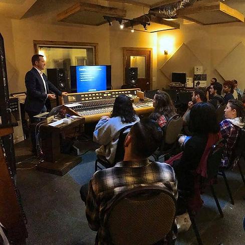 Sontronics Trevor Coley lecturing at Dark Horse Institute Nashville