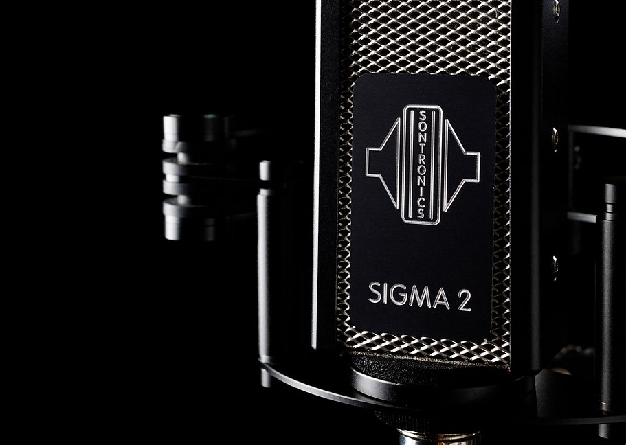 Sontronics Sigma 2 microphone close-up of badget