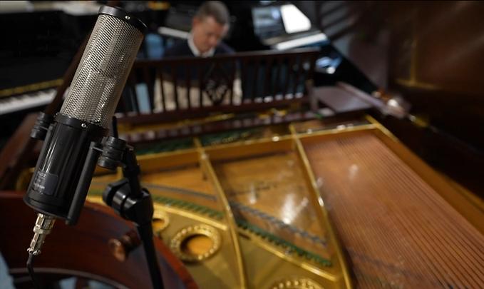 Sontronics Apollo 2 on Bechstein grand piano at The Piano Gallery Faringdon