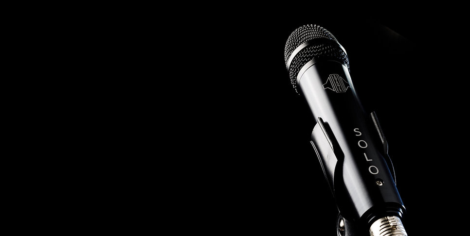 Sontronics Solo microphone on black background