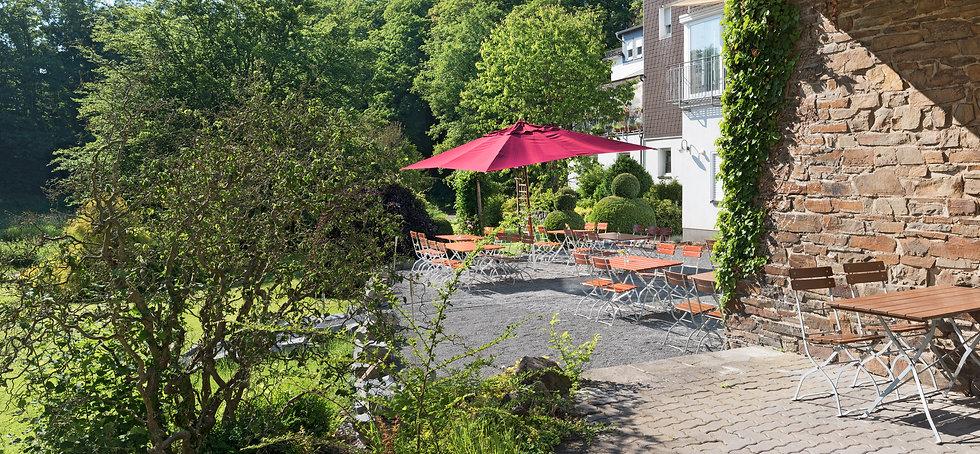 Biergarten Windeck Waldbröl Eitorf Restaurant Dorfkind Flair Hotel Bergischer Hof