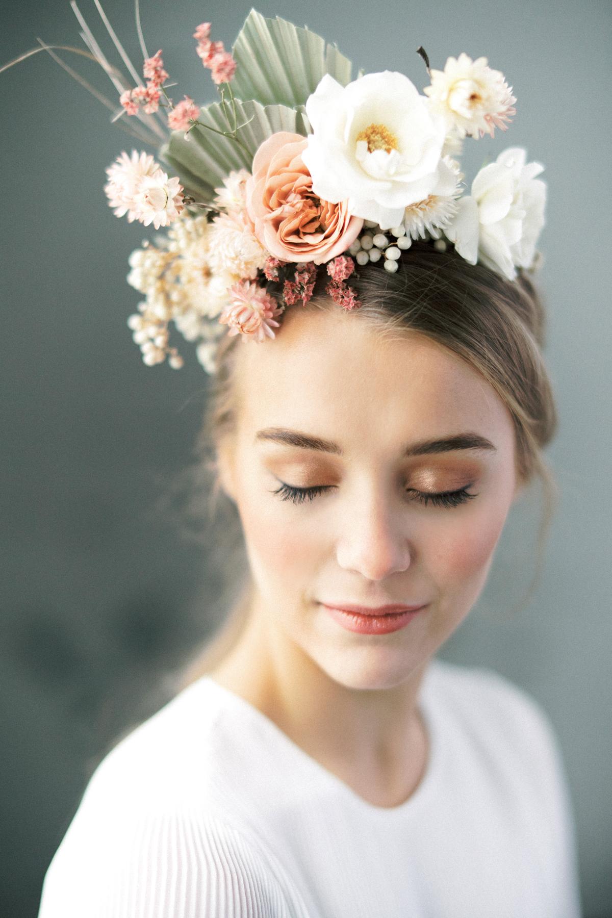 modern wedding floral design Finland