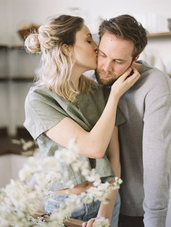 Lifestyle couple shoot | Kitchen engagement | Authentic storytelling & styling: Nord & Mae